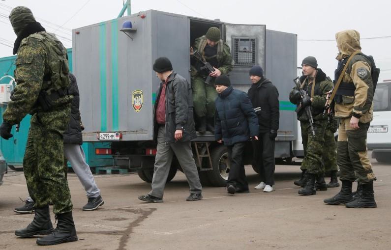 Пленных украинцев пытали током. Их удерживали по 200-300 человек в одном...