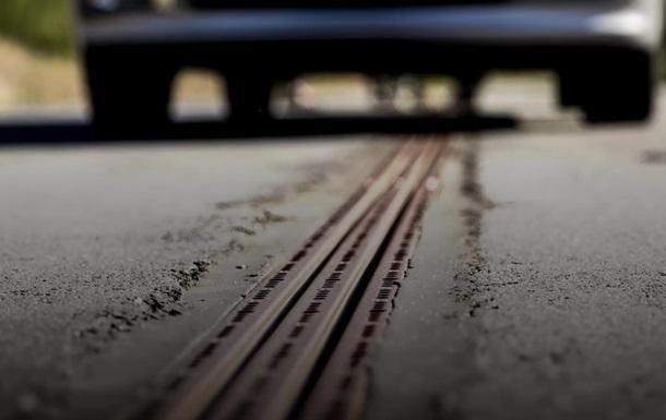 В Швеции открыли трассу, которая заряжает электромобили на ходу