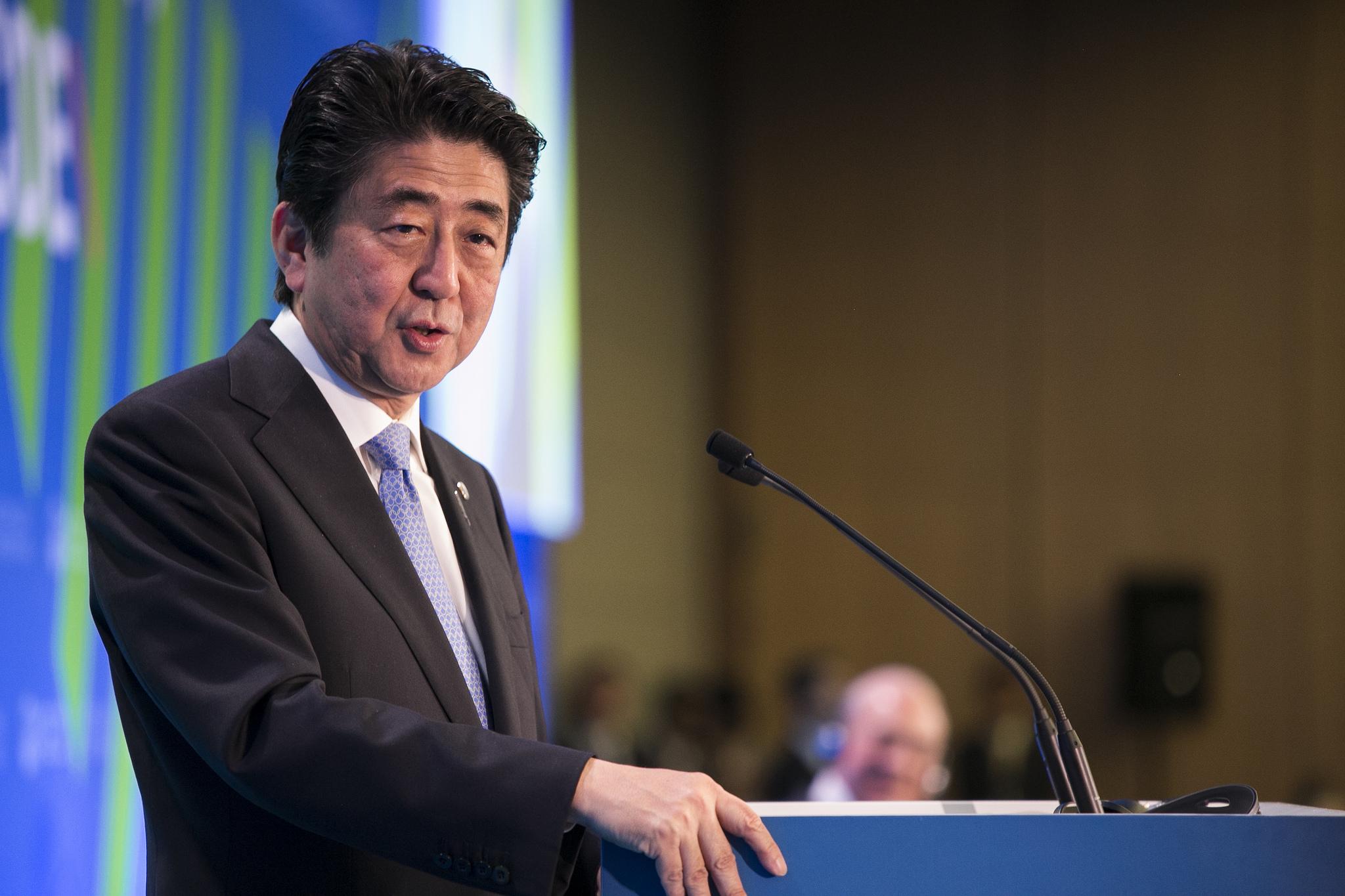 Премьер-министр Японии хочет встретиться с Ким Чен Ыном без предваритель...