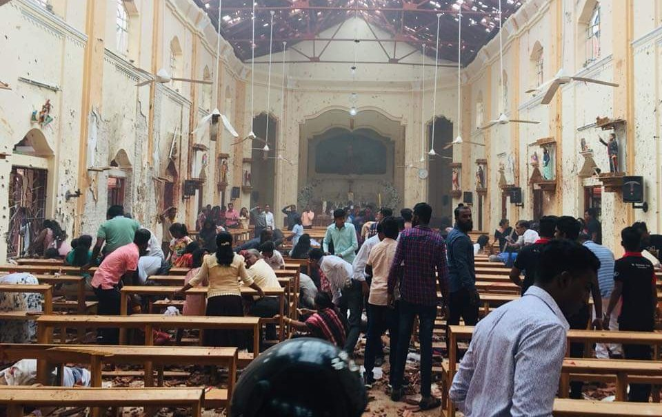 Количество погибших в терактах на Шри-Ланке увеличилось до 290 человек