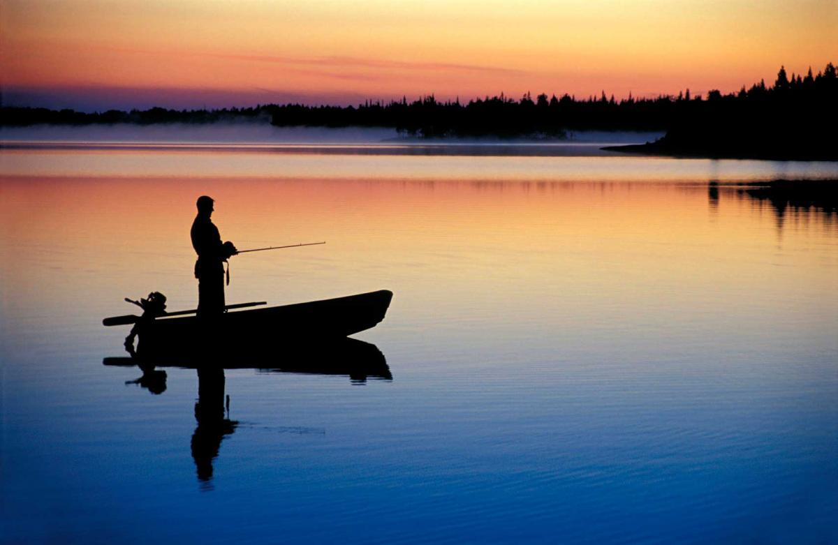 С 1 апреля в Украине запретили вылов рыбы