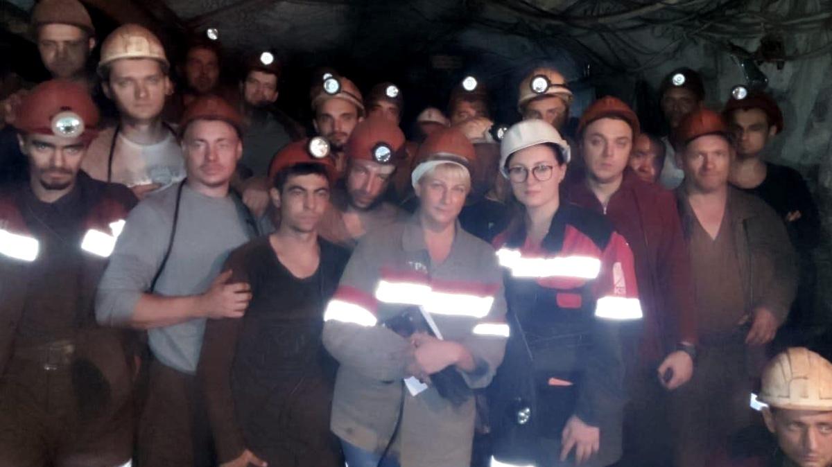 Шахтеры Кривбасса бастуют под землей: требуют зарплату в тысячу евро