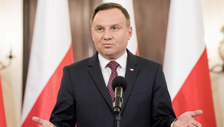 В Варшаве расценили пранк над президентом Дудой как попытку РФ рассорить...