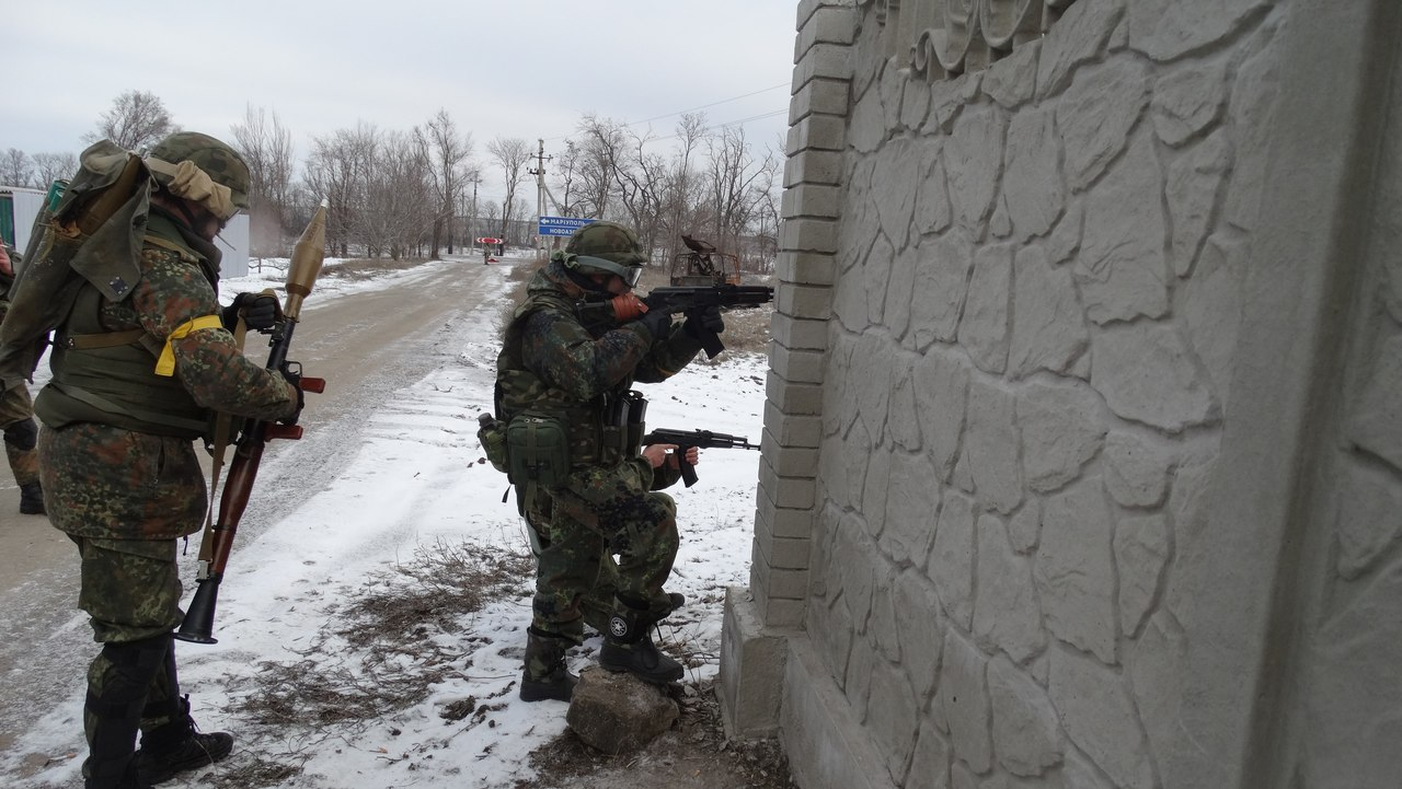 Боевики вновь штурмовали Широкино, погиб воин Азова