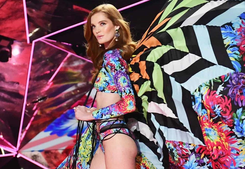 Модель Victoria's Secret попала в больницу с коронавирусом