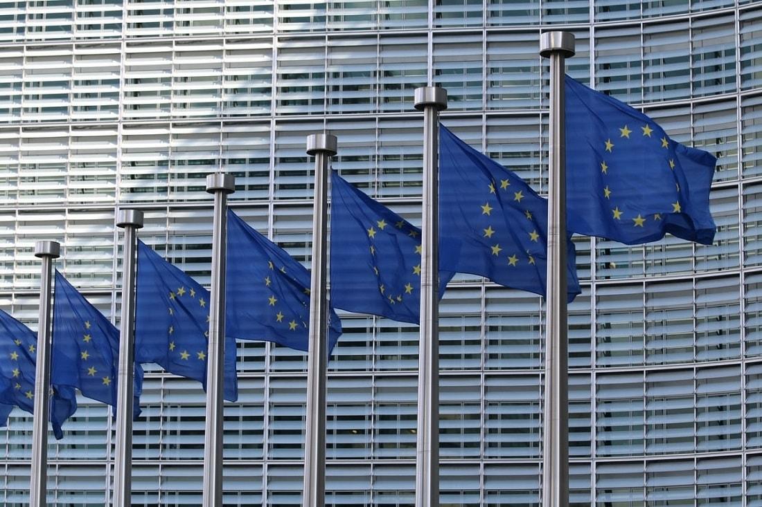 ЕС ужесточит условия работы для Facebook, Google и подобных крупных комп...