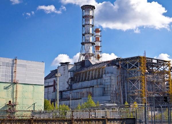 Старый саркофаг Чернобыльской АЭС демонтируют за 2 млрд гривен