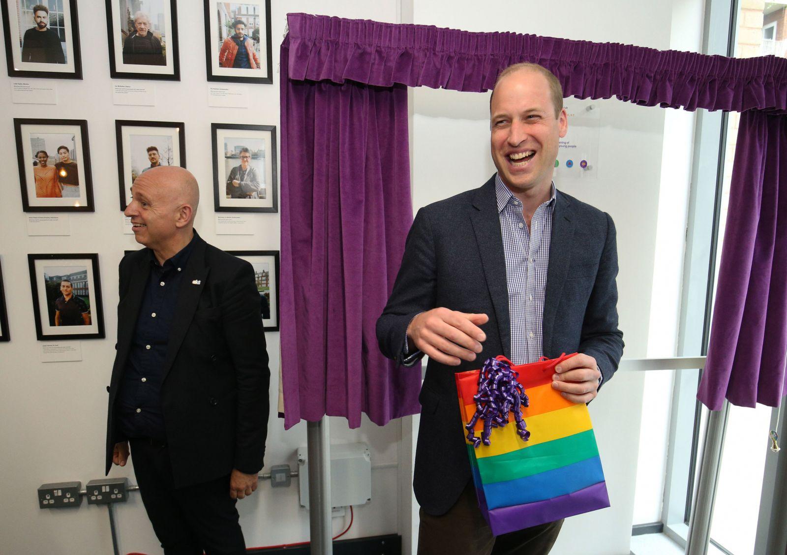 """""""Поддержу их"""": принц Уильям рассказал, как бы отреагировал на гомосексуа..."""