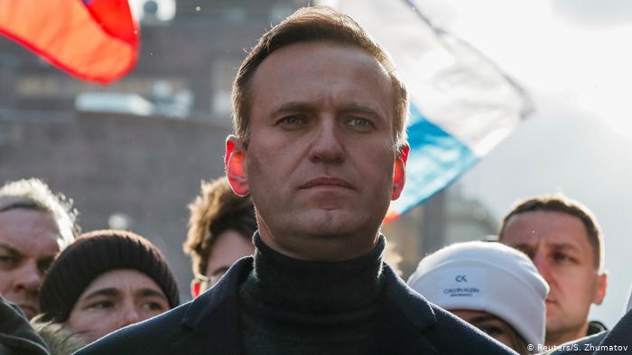 Яд пока не нашли. В России решили проверить маршрут Навального, отравлен...