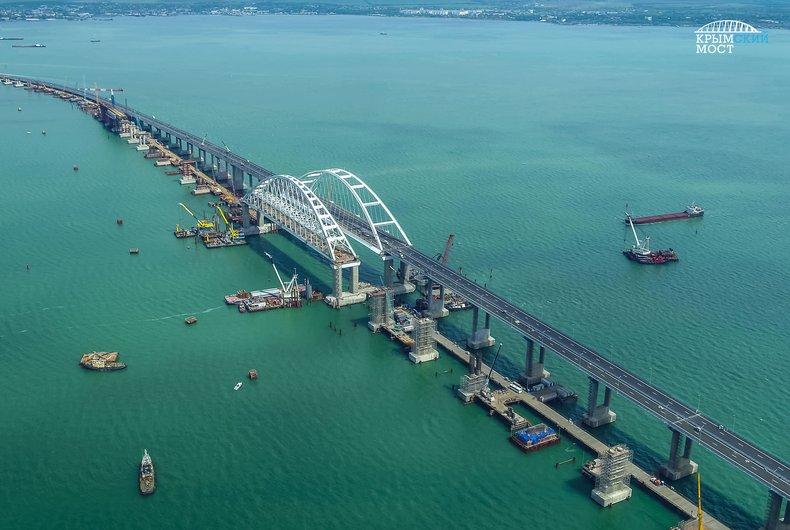 Поезда по Керченскому мосту будут тащиться со скоростью 20 километров в...