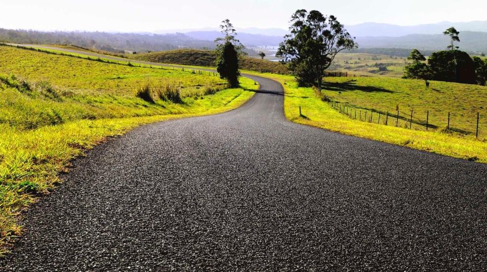 Инженеры предлагают строить дороги из автомобильных шин и строительного...