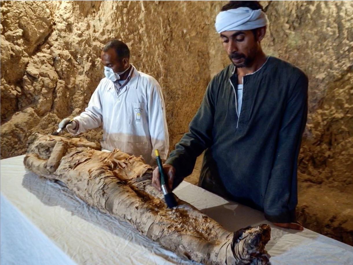 В Египте вскрыли гробницу с 3,5-тысячелетней мумией