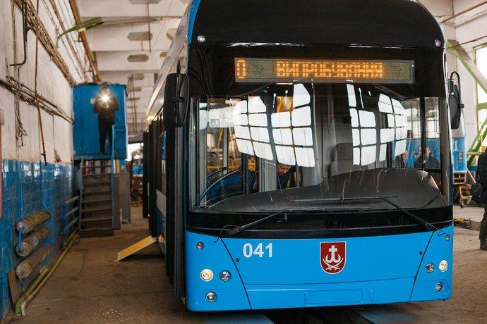В Виннице показали троллейбус собственного производства