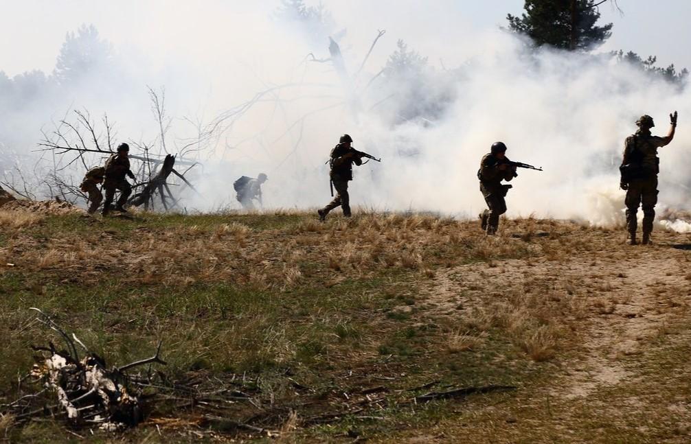 На Донбассе сегодня погиб украинский военный, еще один ранен, – штаб ООС