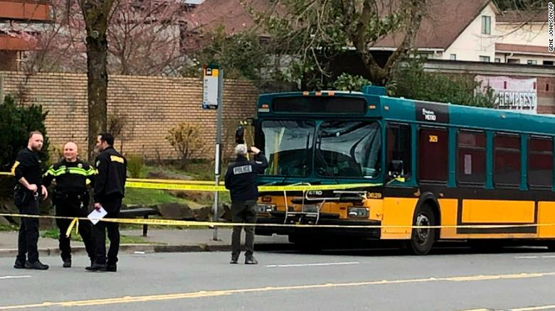 В Сиэтле в результате стрельбы погибли два человека