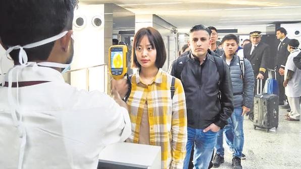 Китай, коронавирус, вспышка вируса, проверка пассажиров в аэропортах