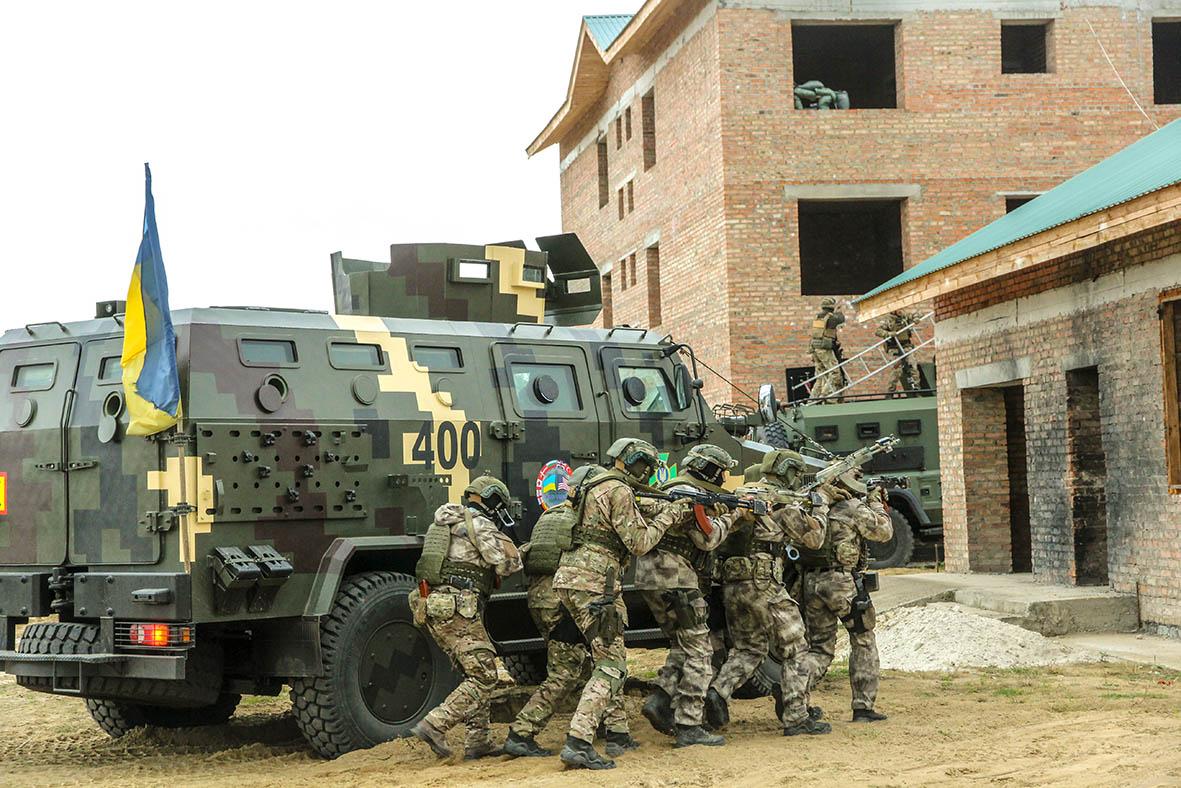 """Украинская армия начала подготовку """"ответных"""" военных учений на юге стра..."""