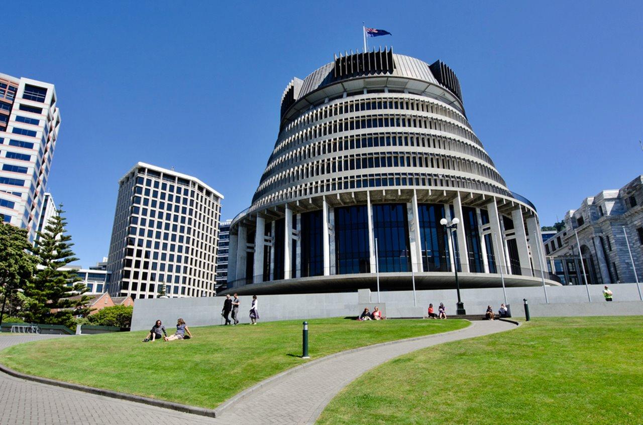 В Новой Зеландии из-за коронавируса решили перенести парламентские выбор...