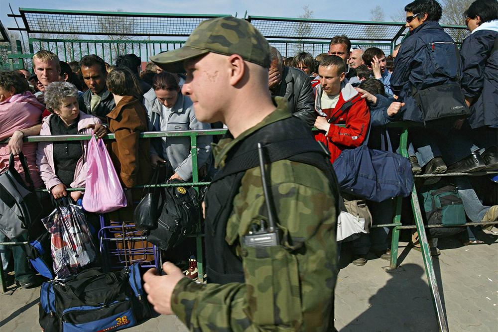 Украина, пункт пропуска, граница, пограничник, фотография
