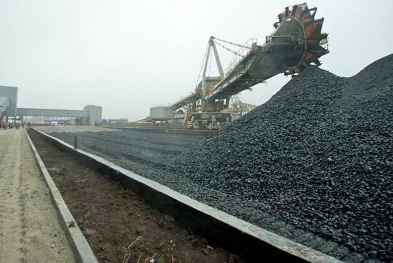 На Львовщине неизвестные заблокировали вагоны с углем, полиция грозит пр...