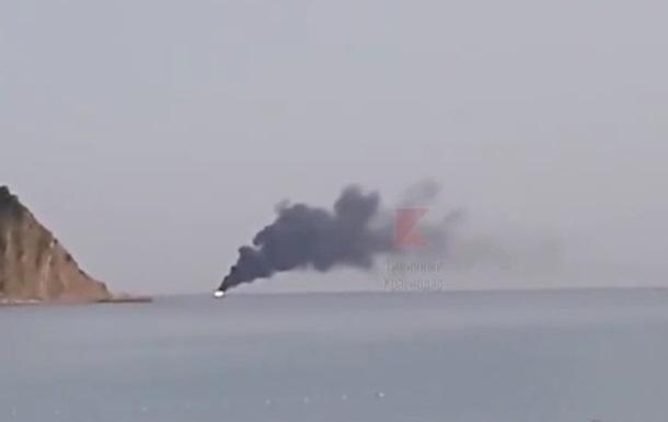 В Черном море загорелось и затонуло российское судно