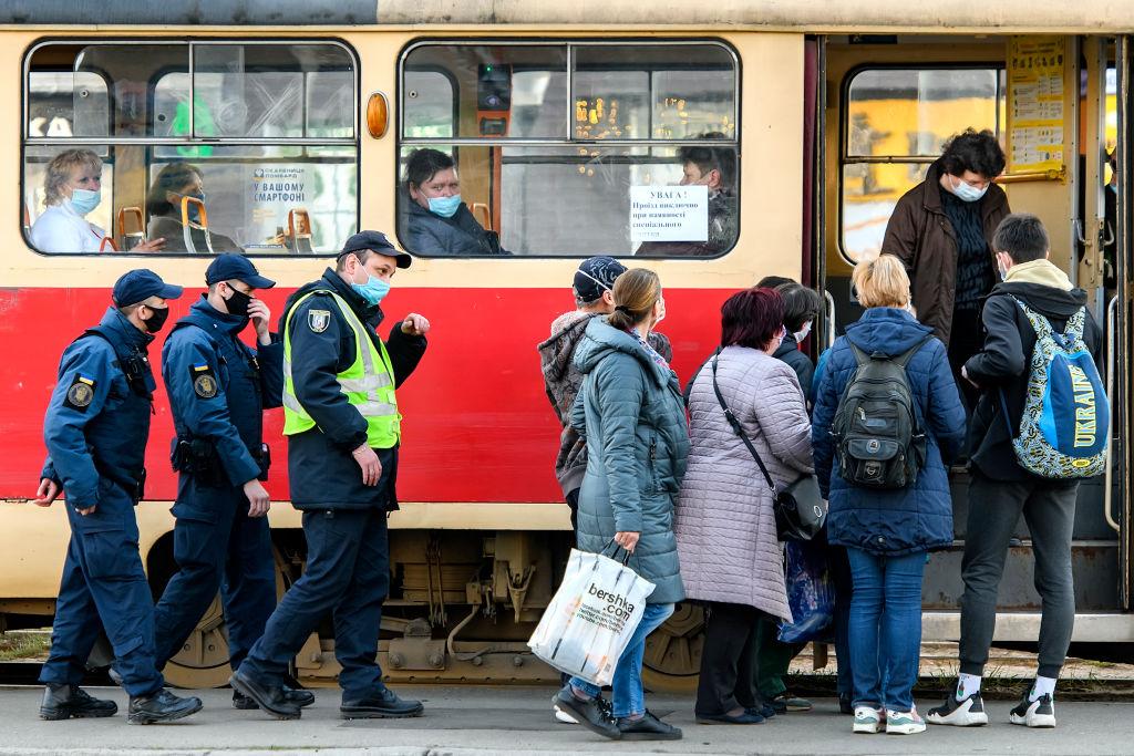 В Черновцах запретили перевозить пассажиров в троллейбусах и маршрутках