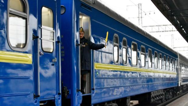 УЗ возобновляет продажу билетов на все места в поездах до Киева и в обра...