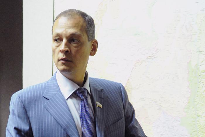 В авиакатастрофе погиб депутат российской Госдумы, голосовавший за оккуп...