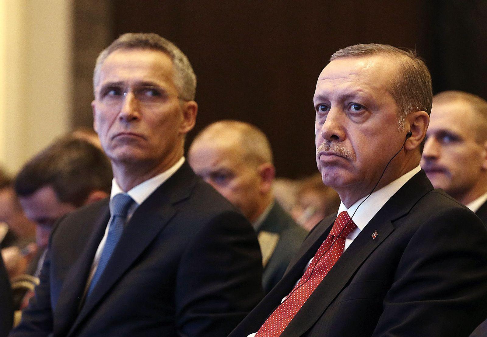 А вы нам что? Турция заявила, что не готова защищать других членов НАТО...