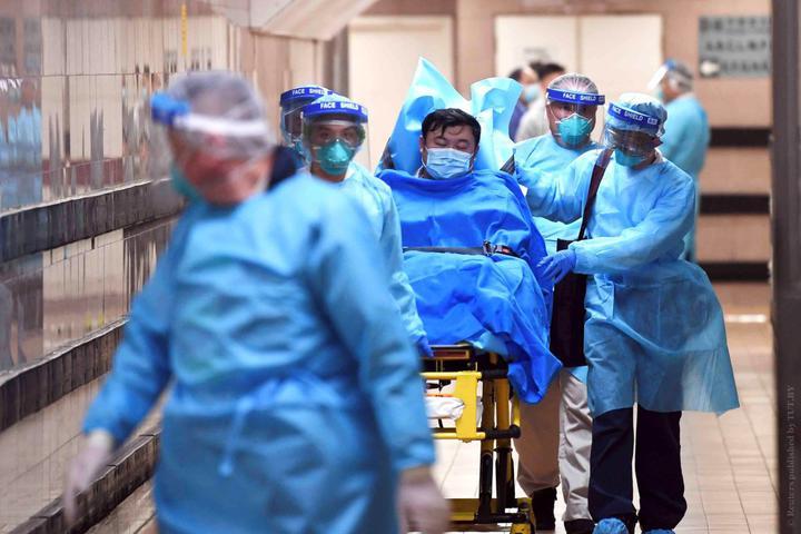 В Китае заявили, что пиковая стадия вспышки коронавируса наступит через...