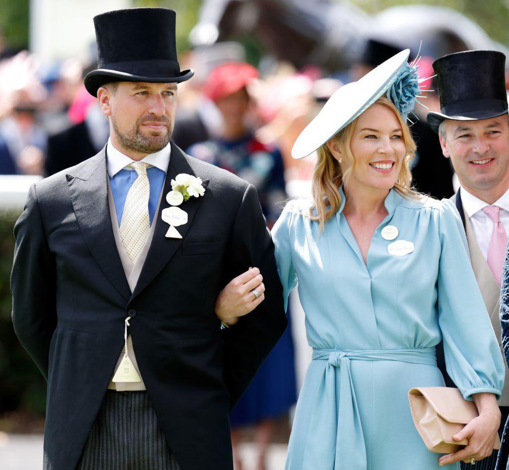Невестка королевы Елизаветы стала звездой пятого дня королевских скачек...