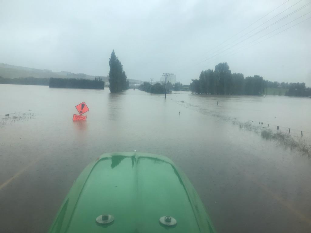 Красный уровень опасности. В Новой Зеландии выпало более метра осадков