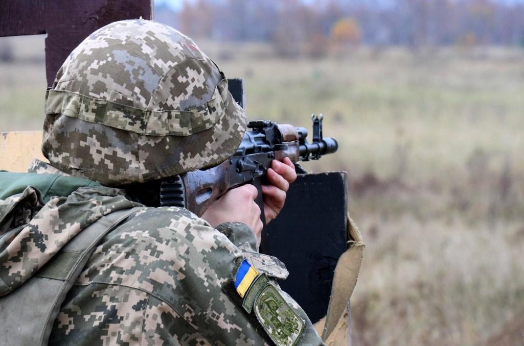 Сутки на Донбассе: 7 обстрелов, без потерь