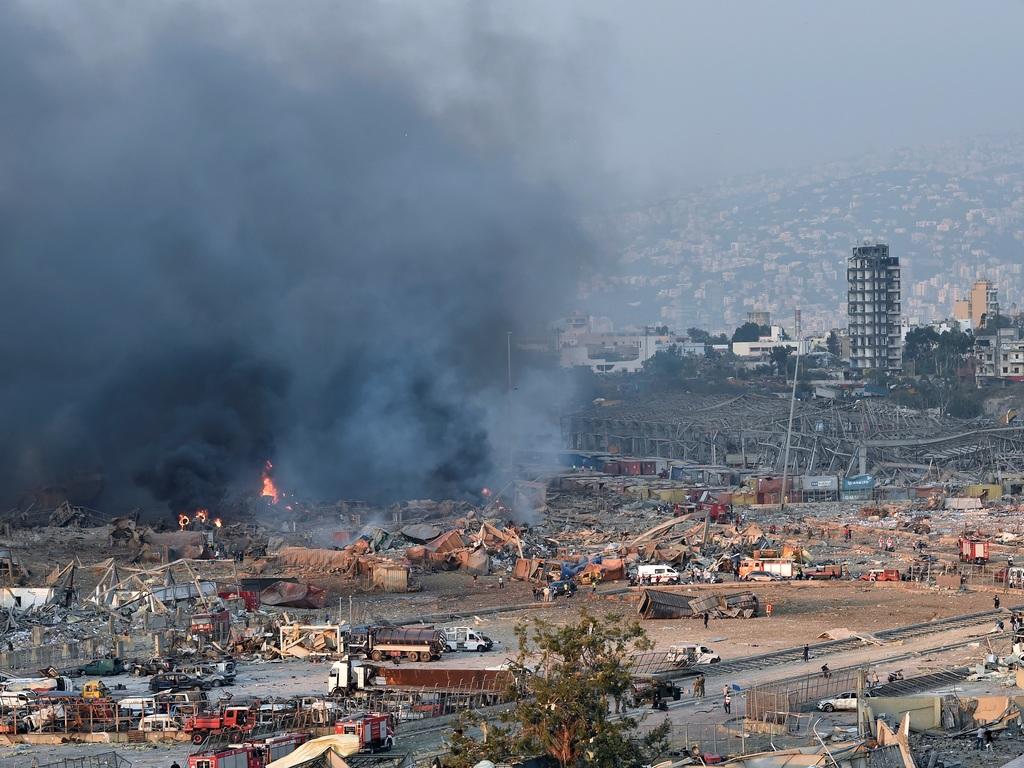 Спустя месяц после взрыва в Бейруте под завалами ищут выживших людей
