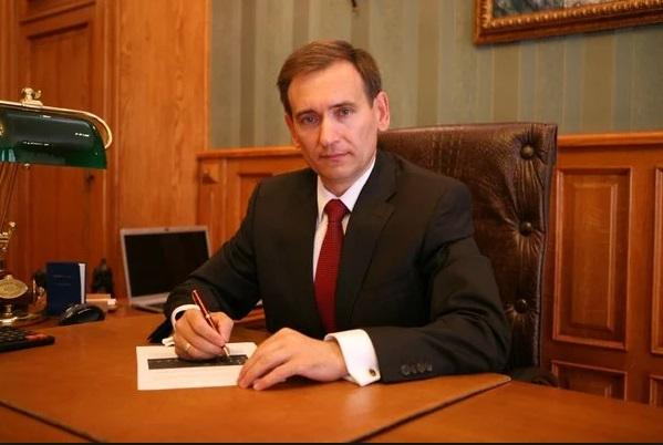 Представитель Зеленского в КСУ: Коалицию формируют фракции, а не отдельн...