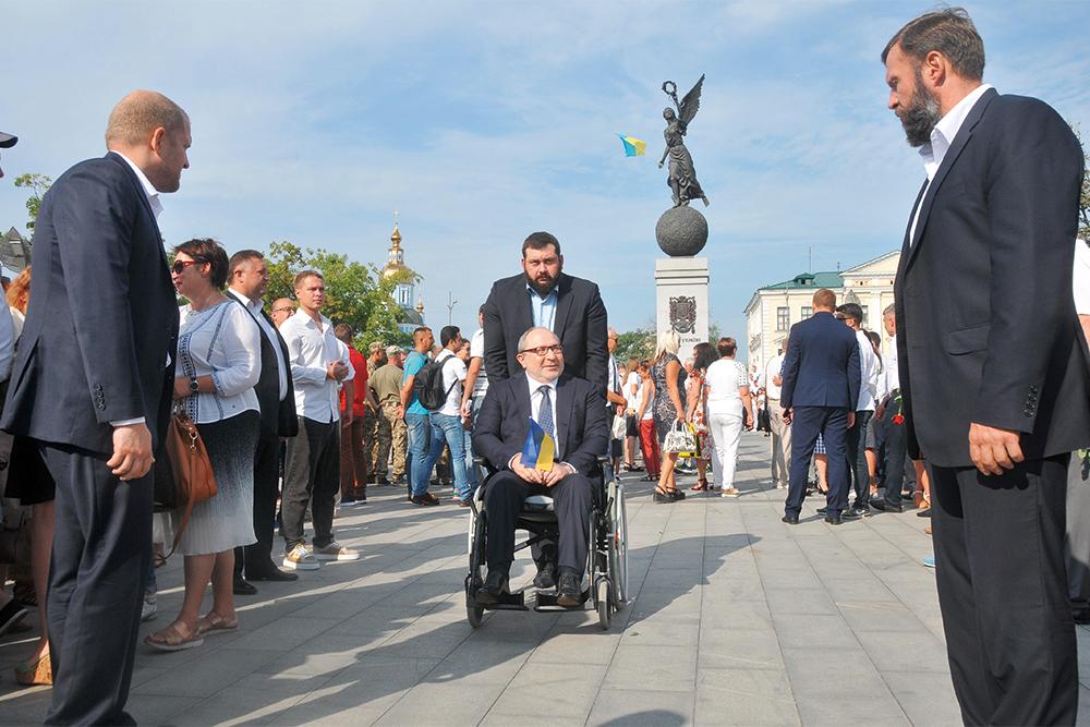 местные выборы, мэр, Геннадий Кернес, Харьков, фото, на коляске
