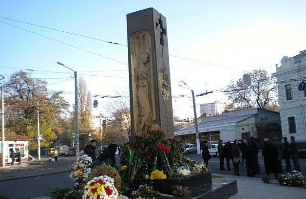 В Одессе почтили память жертв Голодомора. Мэр Одессы не пришел