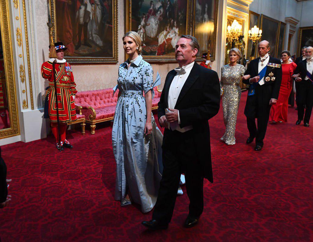 Два модных образа Иванки Трамп: дочь президента США появилась на гала-уж...