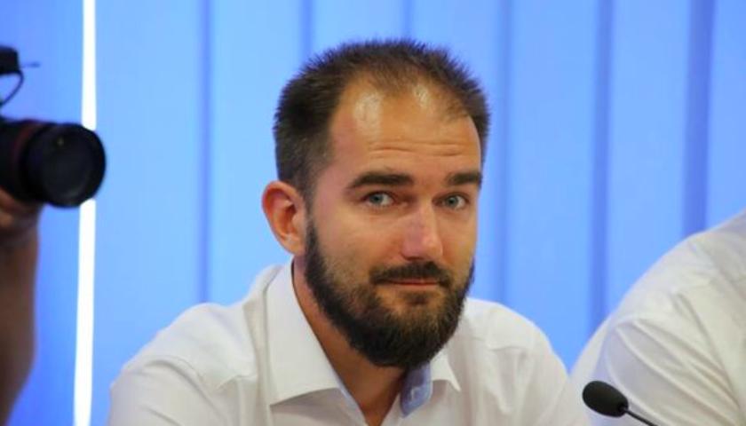 Прокурор просит суд взять депутата Юрченко под стражу с возможностью вне...