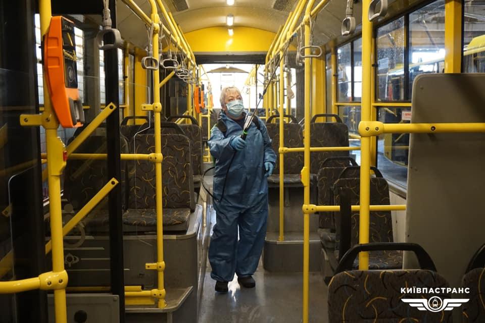 Только сидя и в масках. Минздрав подготовил правила пассажирских перевоз...