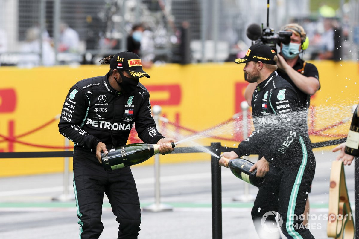 Хэмилтон и Mercedes выиграли Гран-при Штирии