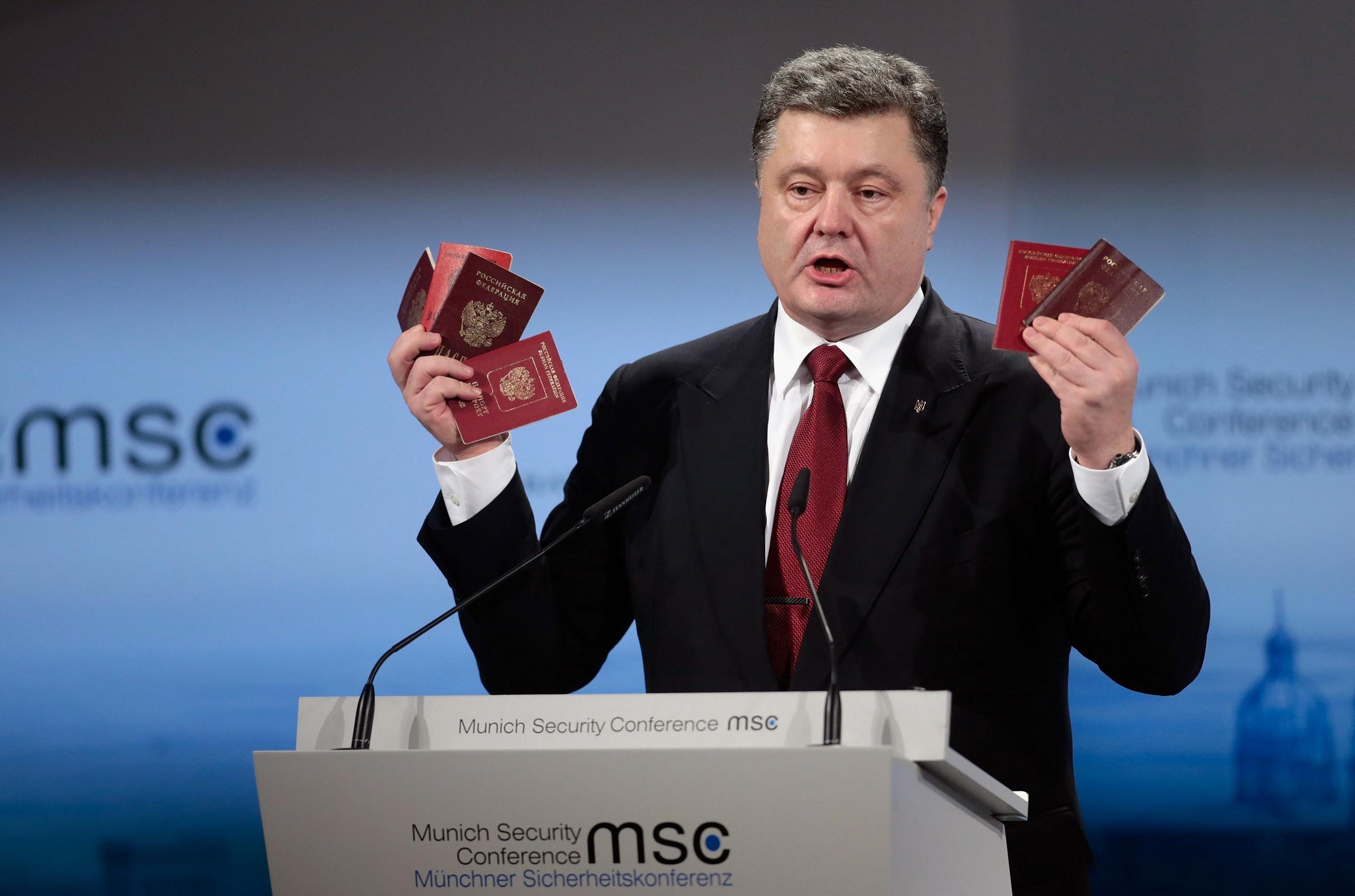 Немцов собирался доказать военную агрессию РФ, - Порошенко