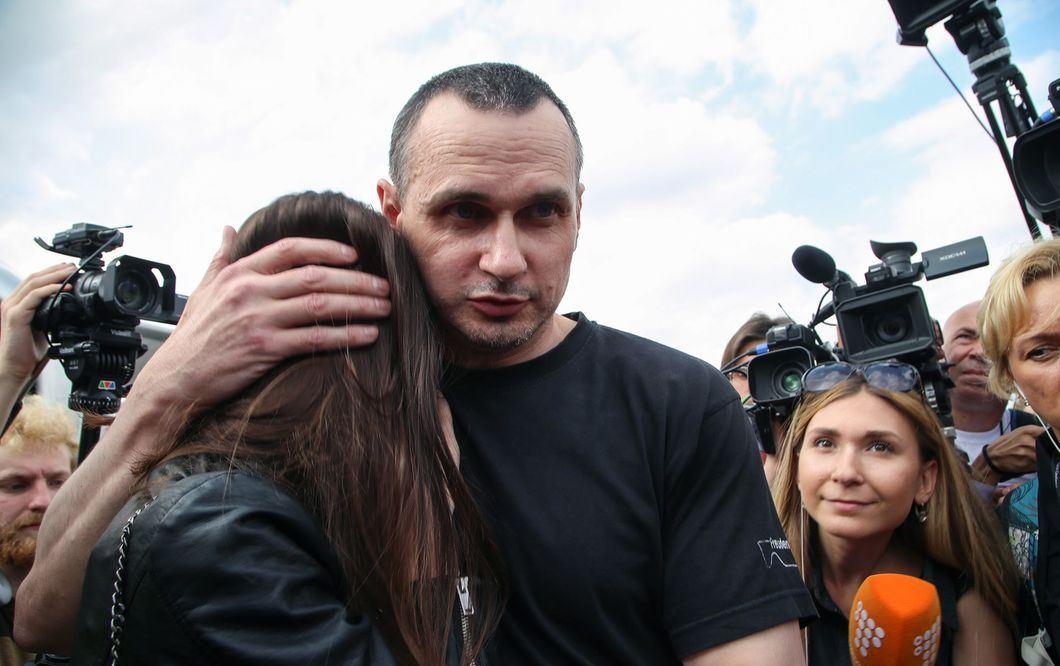 Президент поручил решить вопрос с постоянным жильем для Сенцова, – Денис...