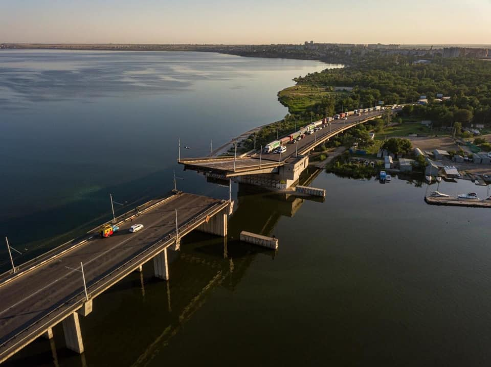 В Николаеве сам по себе внезапно развелся Ингульский мост