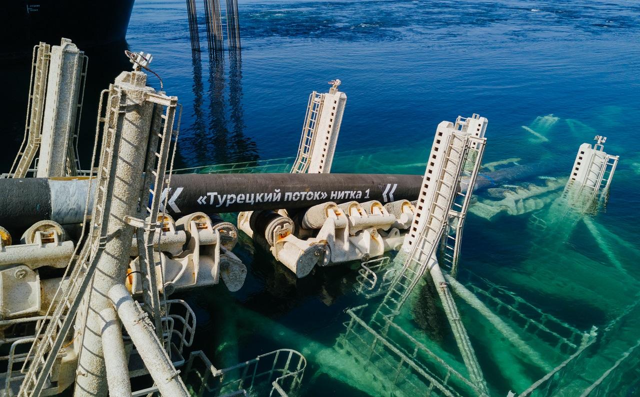 """Газпром заявил о завершении строительства первой нитки """"Турецкого потока..."""