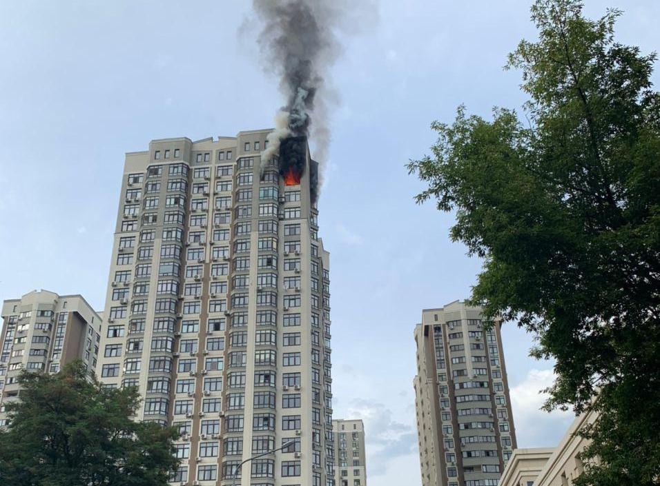 Новые детали пожара на 24-м этаже в Киеве