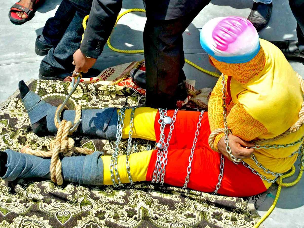 Найдено тело индийского  иллюзиониста, который пытался повторить трюк Гу...
