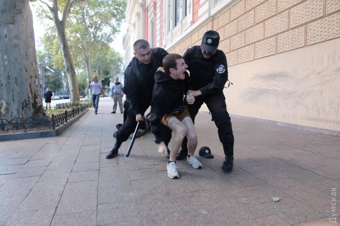 В Одессе задержали 20 человек за попытку сорвать Марш равенства