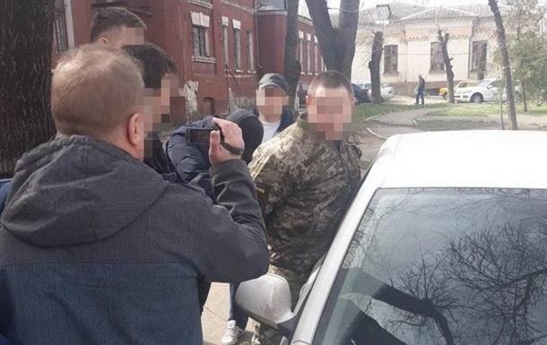 Командир взвода в Николаеве обещал за 400 долларов не отправлять бойца в...