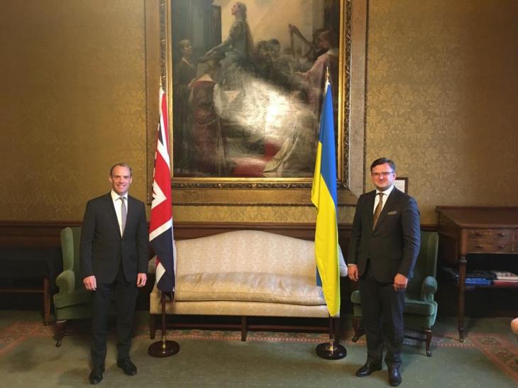 Кулеба пригласил Великобританию к платформе по деоккупации Крыма